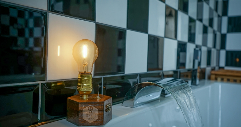 Timebulb Wireless Table Lamp